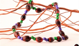 aboriginal_gumnut_necklace_7_photo_slideshow.jpg